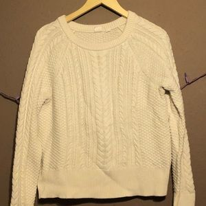 GAP white sweater great condition size: large